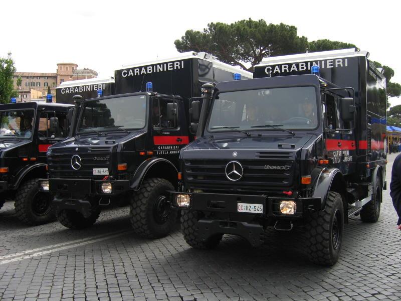 11 PoliceUnimog U5000 Doka